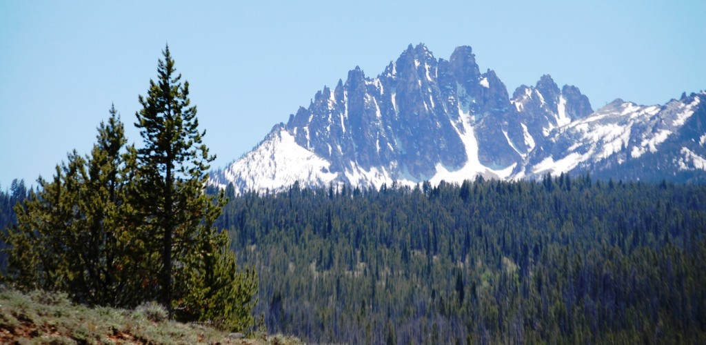A Day Drive in Central Idaho: Volcanoes, Mountains and Rivers