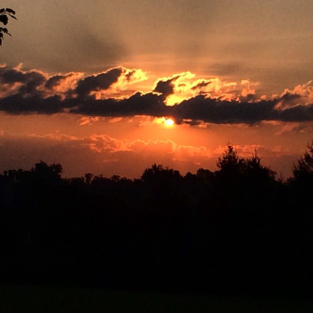 Good morning! #sunrise over #lexingtonky was amazing today! #Nature #sunglow #clouds