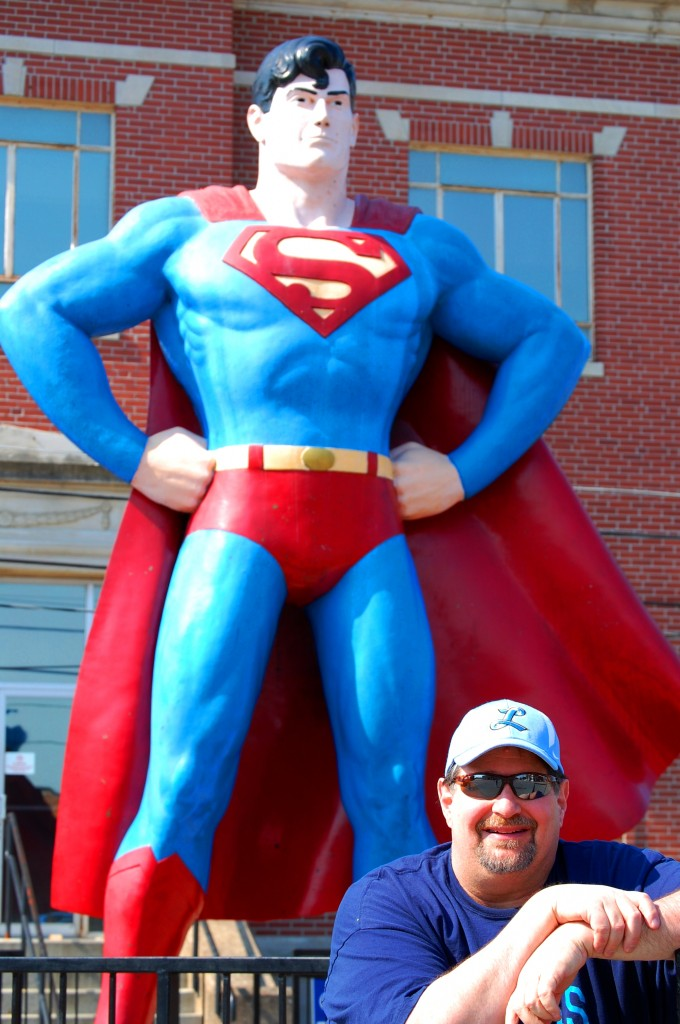 Giant Superman with not so giant Sumoflam