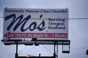 Mo's Seafood - Newport, Oregon