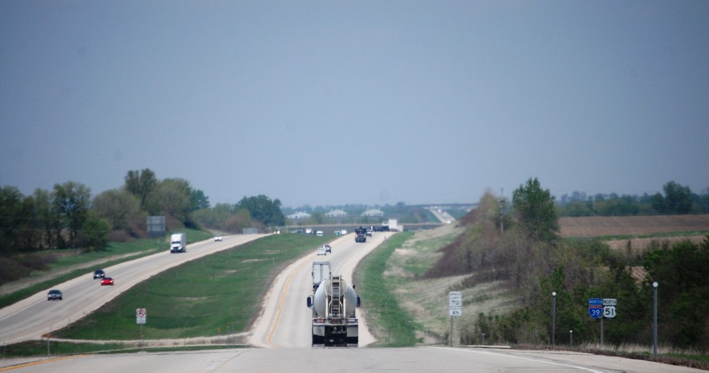 Driving north on I-39 / US 51 towards Beloit, WI
