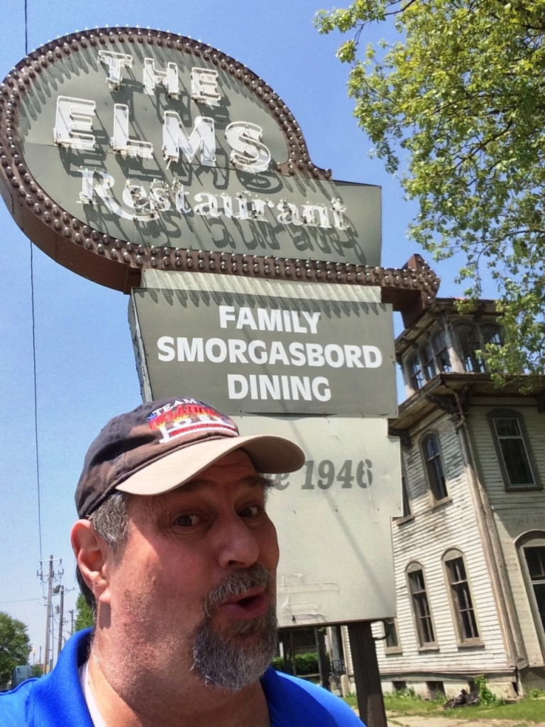 """Visiting """"The Elms"""" in El Paso, IL"""