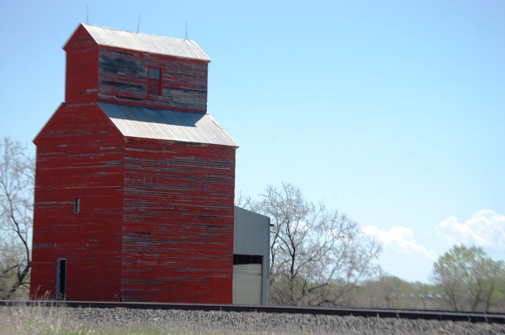 Old wooden elevator in Zurich, Montana.  One of the few buildings there.