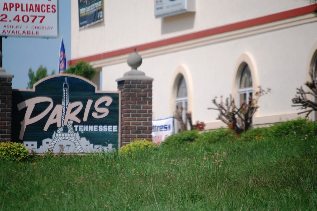 Welcome to Paris, Tennessee