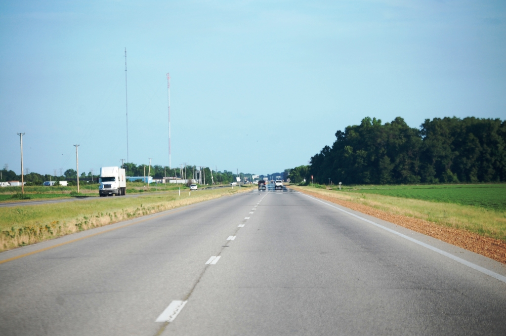 US 61 north of Cleveland, MS