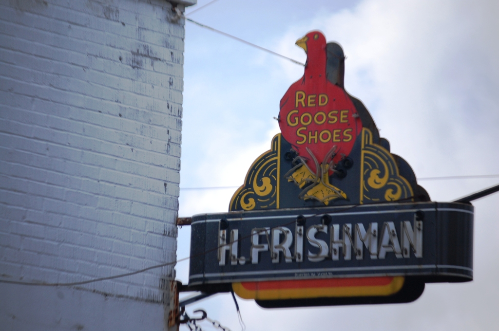 Old Neon Sign for Red Goose Shoes in Port Gibson, MS