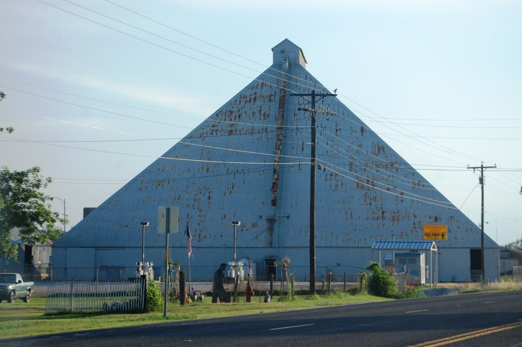 Huge unique grain elevator in Thorndale, Texas