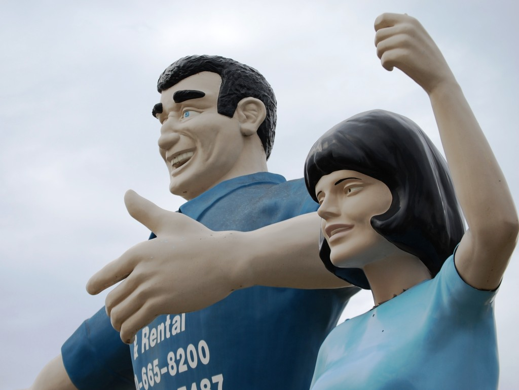 Fiberglass Giants Part I – The Muffler Men and Such