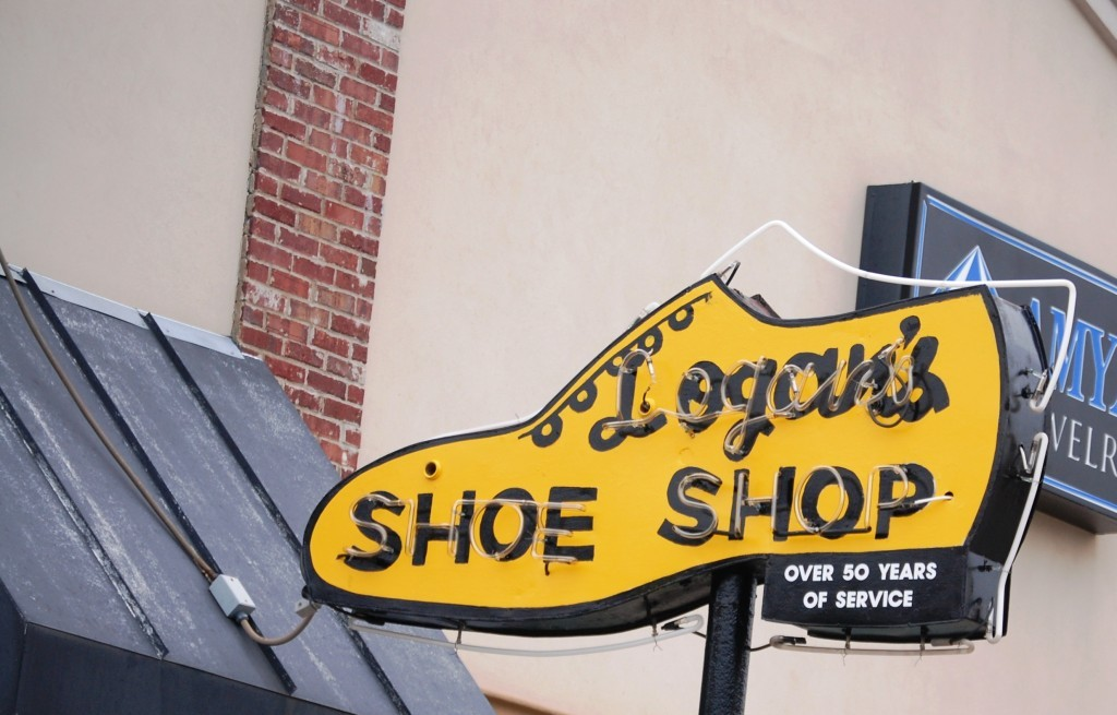 Logan's Shoe Shop Neon, Denton, TX