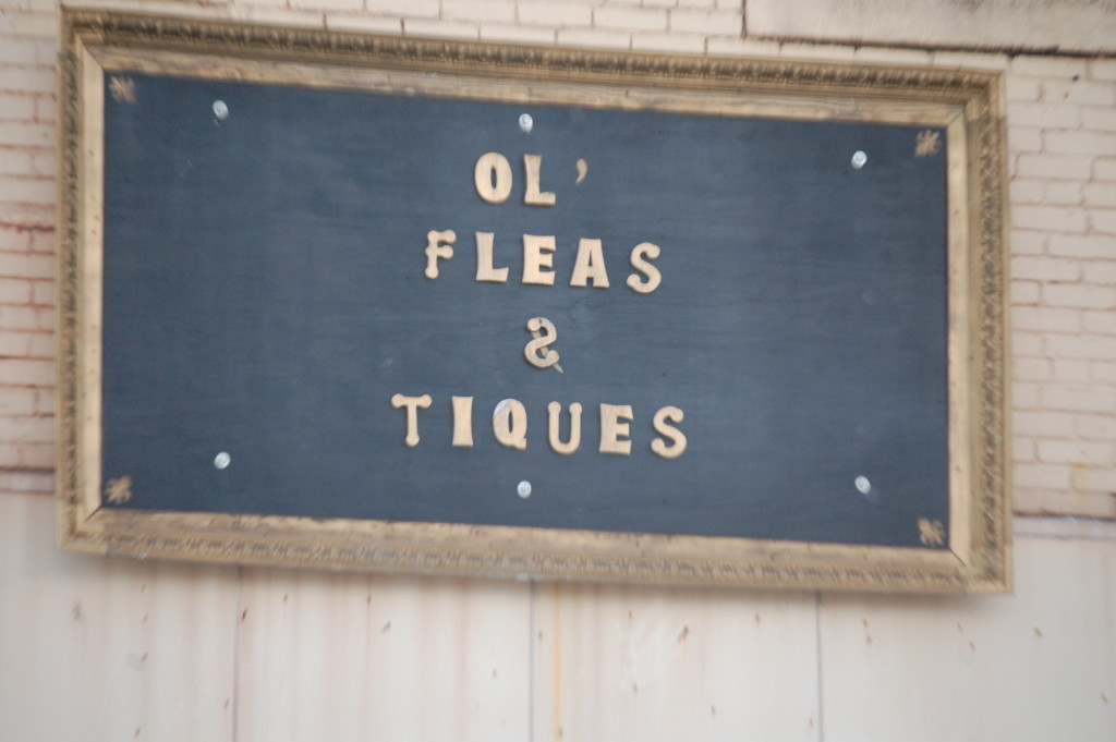 A fun sign in the town of Glenwood, AR