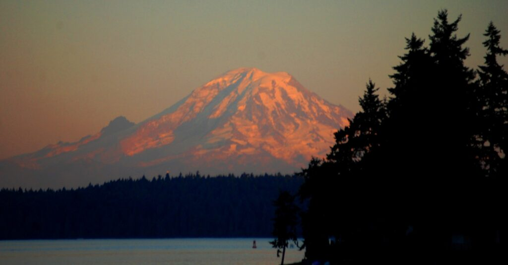 Mt. Rainier as seen from the Bremerton Ferry on our return to Port Orchard
