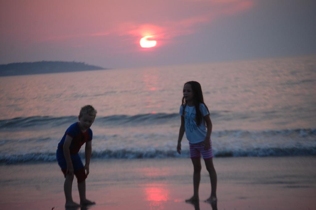 Jos and Rockwell enjoy the amazing sunrise
