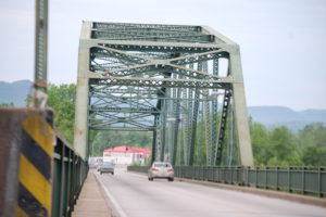 Kentucky River bridge on KY 52/KY 89 in Irvine, KY