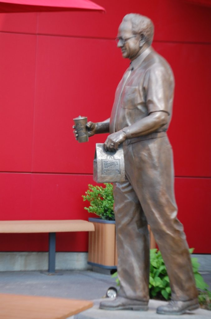 Dave Thomas statue at Wendy's in Dublin, OH