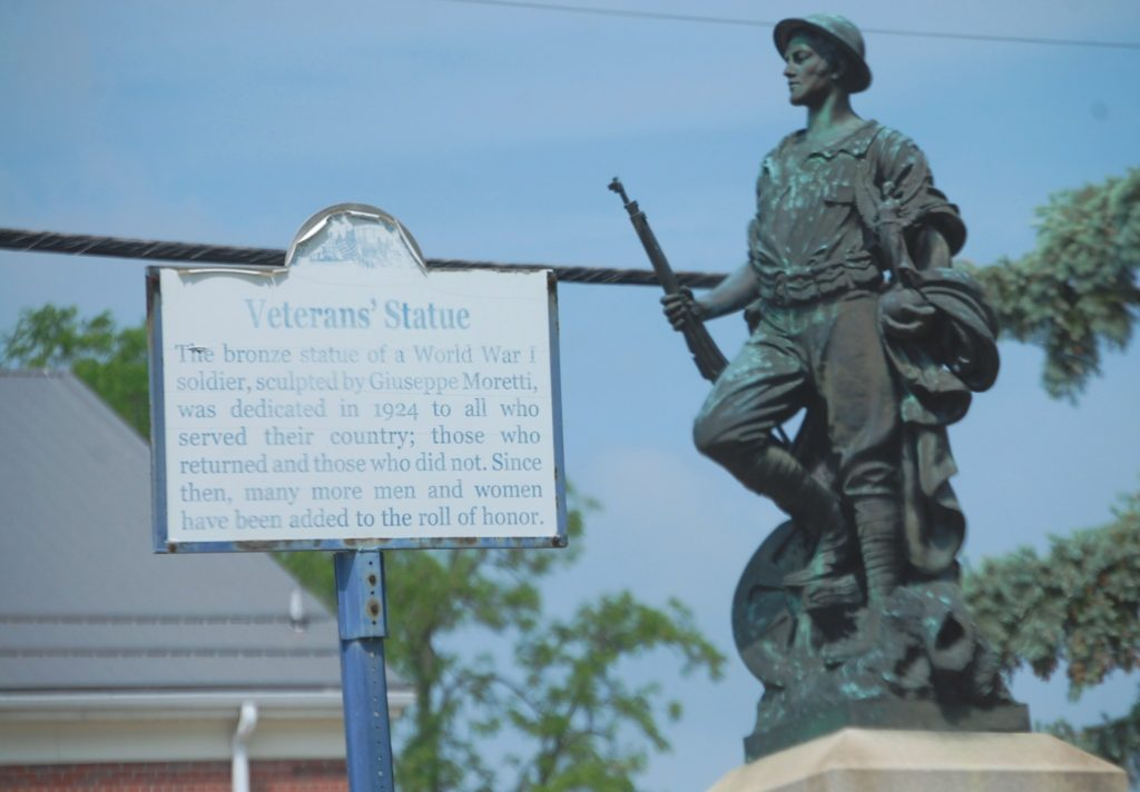Veteran's Statue of a World War I soldier was sculpted by Giuseppe Moretti in 1924