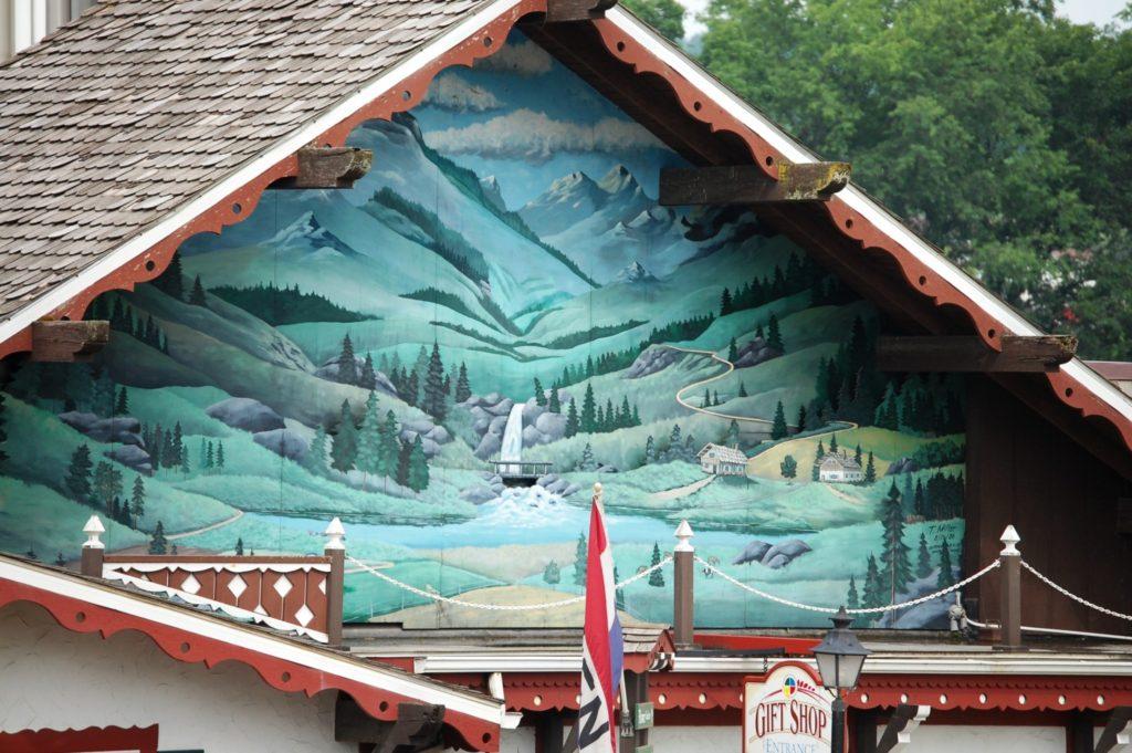 Large mural on Heini's